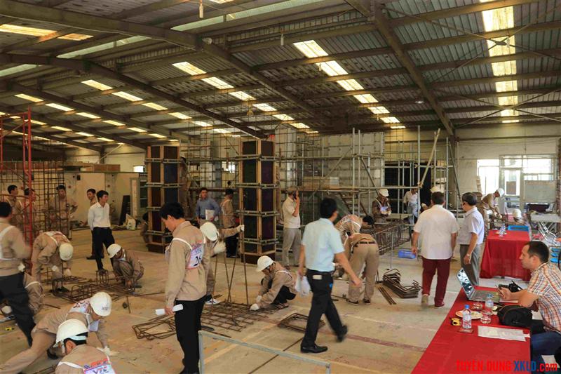 Thi tuyển thợ xây dựng Rumani